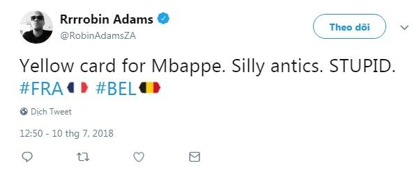 """""""Thẻ vàng cho Mbappe. Thật ngớ ngẩn và ngu ngốc"""", người hâm mộ thế giới lên tiếng."""