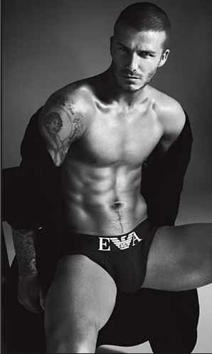Lộ diện tài tử kế nhiệm David Beckham trở thành Người đàn ông đương đại quyến rũ nhất 2018