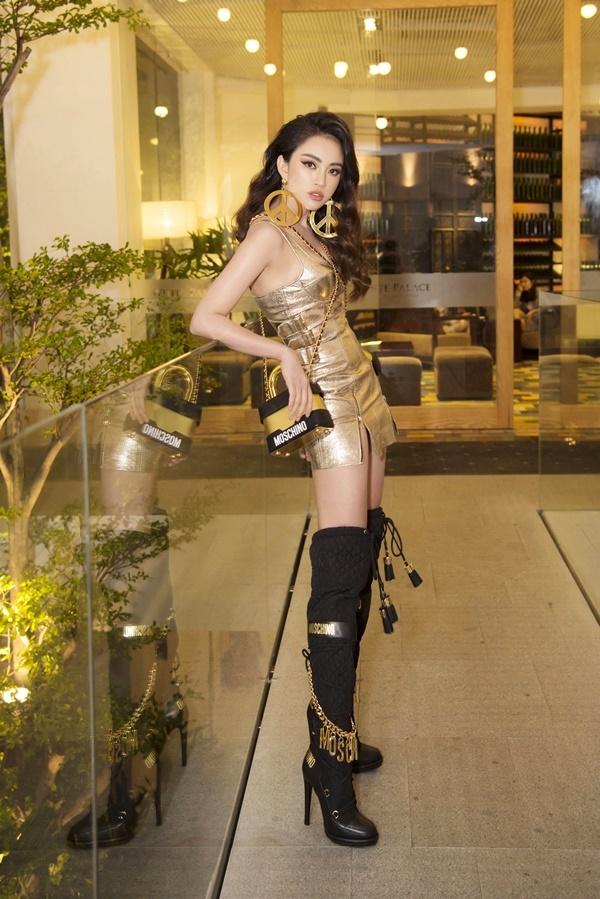 Diện một lần 2 túi hiệu, Thiên Nga chiếm hết spotlight của hội