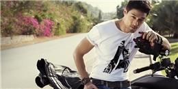 Johnny Trí Nguyễn bất ngờ bị tai nạnở Quy Nhơn, xe mô tô vỡ nát