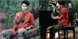 yan.vn - tin sao, ngôi sao - Vũ Cát Tường chơi piano trong rừng sâu mặc thời tiết giá lạnh