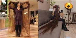 """Cô gái 20 năm không cắt tóc để được như """"công chúa tóc mây'"""