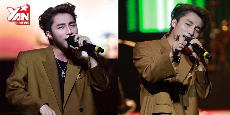 """Sơn Tùng hát live """"Nơi này có anh"""" siêu hay ở Hà Nội"""