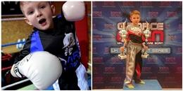 Cậu bé 9 tuổi, giành được 64 huy chương vàng môn boxing