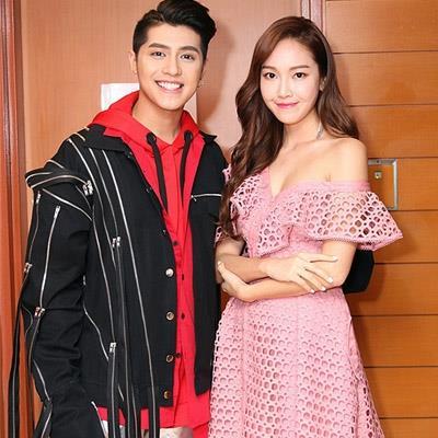 Mặc Sun Ht chê chảnh, Jessica thân thiện chụp ảnh cùng Noo Phước Thịnh