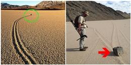 Giải mã bí ẩn những hòn đá 'chạy nghênh ngang' trên vùng đất cằn