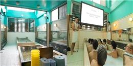 Nhà tắm công cộng hút khách nhờ 'lớp học khỏa thân' có một không hai