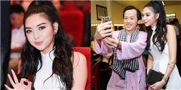 Danh hài Hoài Linh thân thiện selfie cùng em họ Trương Ngọc Ánh
