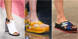 7 kiểu sandals càn quét mùa hè từ sàn diễn đến đường phố