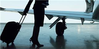Vén màn bí mật đằng sau vẻ hào nhoáng của nghề tiếp viên hàng không
