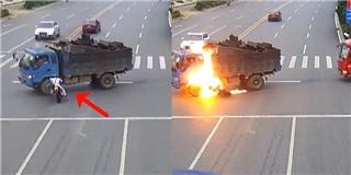 Người đàn ông bốc cháy như bó đuốc khi lao vào xe tải