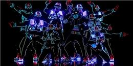 Màn vũ đạo ánh sáng giành nút vàng chấn động America's Got Talent