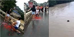 Cái kết vớ vẩn của màn cầu hôn bằng cách nhảy sông để bày tỏ tình yêu