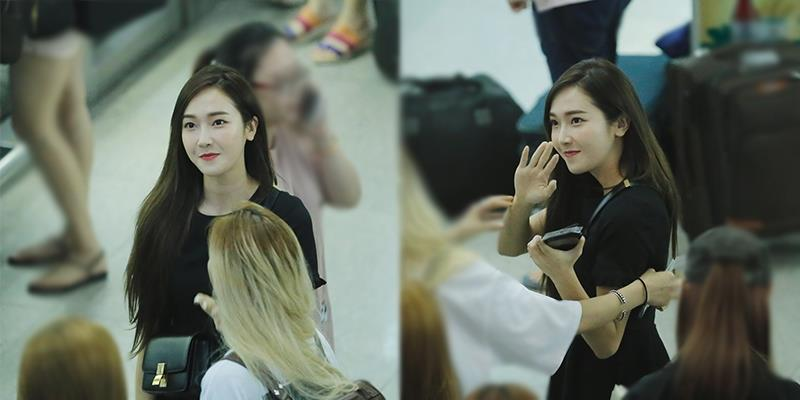 Jessica lưu luyến không rời, vẫy tay chào tạm biệt khán giả Việt Nam