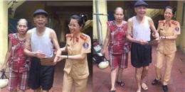 CSGT Hà Nội giúp một cụ già đãng trí về nhà an toàn