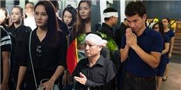 Bảo Thanh và nhiều nghệ sĩ gạo cội ngậm ngùi trong lễ viếng mẹ NSƯT Chí Trung