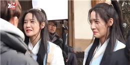 """Yoona bị Im Si Wan phạt viết kiểm điểm vì """"bạo lực"""" trong phim mới"""