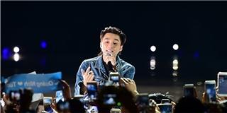 Offline mừng sinh nhật, Sơn Tùng hát live Em của ngày hôm qua cực sung