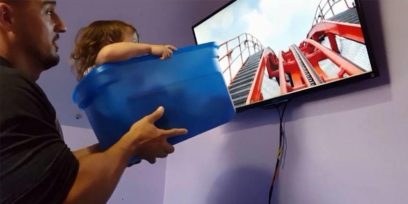 Người cha dùng thau làm tàu lượn cho con gái khiến MXH vỡ òa cảm xúc