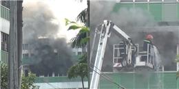 TP.HCM: Công ty bốc cháy ngùn ngụt, hàng nghìn công nhân hốt hoảng bỏ chạy