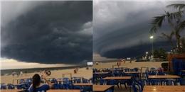 Thực hư hình ảnh đám mây khổng lồ cuồn cuộn 'náo loạn' bãi biển Sầm Sơn
