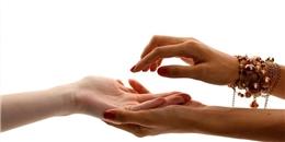 Thử giơ tay lên và xem các điểm gò trên bàn tay nói gì về bạn?