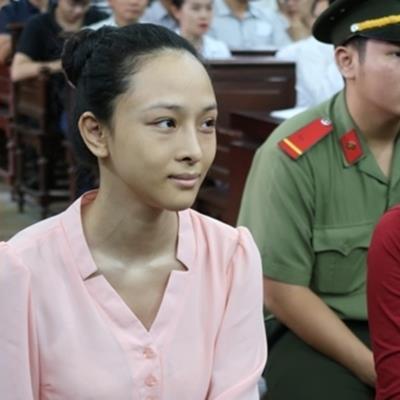 Vì sao vụ án hoa hậu Phương Nga bị tạm đình chỉ?