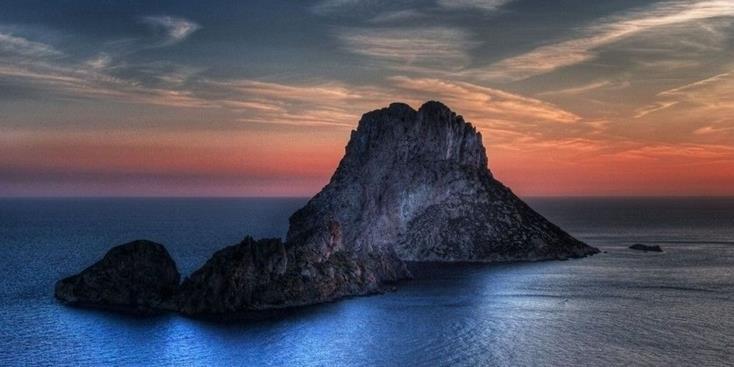 Hòn đảo bí ẩn nhất thế giới gắn liền với các câu chuyện không lời giải thích