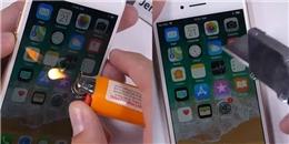 iPhone 8 lên kệ và đã bị 'tra tấn' bằng dao và lửa đốt với cái kết vẫn chạy tốt nhưng đầy xót xa