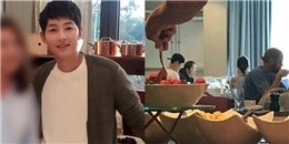 yan.vn - tin sao, ngôi sao - Song Joong Ki lần đầu lộ diện tại Mỹ, vui vẻ cùng Song Hye Kyo dùng bữa sáng