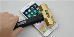Thử độ cứng mặt kính iPhone 8 plus bằng cách dùng búa đập, kết quả thu được không thể tin vào mắt