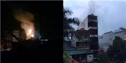 Hà Nội: Cháy nhà dân lúc nửa đêm, CSGT trèo tường cứu được 5 người, 2 con gái chủ nhà tử vong.