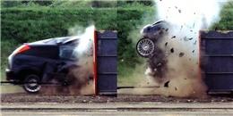 Thử nghiệm kinh hoàng: Lao thẳng xe hơi chạy với vận tốc 193km/ giờ đâm trực diện vào bờ tường