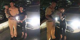 CSGT Hà Nội tìm lại gia đình cho cháu bé bị lạc mẹ trong đêm mưa