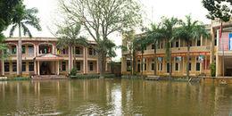 Hà Nội: Nhiều ngôi trường vẫn chìm sâu trong biển nước, học sinh phải nghỉ học vì ngập lụt