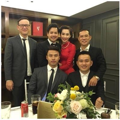 Em trai Trung Tín xin lỗi mẹ trong đám cưới: