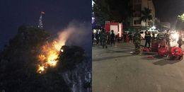 Hạ Long: Núi Bài Thơ bất ngờ cháy dữ dội, vệt cháy lan dài lên gần đỉnh núi