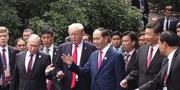 Khoảnh khắc cực đẹp: 'Bộ tứ' lãnh đạo Việt - Mỹ - Nga - Trung sánh bước tại bán đảo Sơn Trà