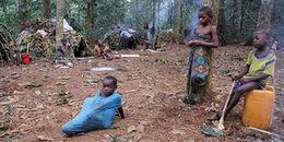 Kì lạ bộ tộc người lùn khi lên chức ông bà vào năm 18 tuổi và chỉ sống đến năm 40 tuổi