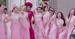 Clip: cô dâu quẩy 'Cô ba Sài Gòn' tưng bừng trước khi lên xe hoa về nhà chồng