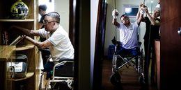 Cuộc sống sau 24 lần phẫu thuật của người lính vụ máy bay rơi
