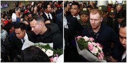 Ryan Giggs và Paul Scholes gây 'náo loạn' sân bay Nội Bài