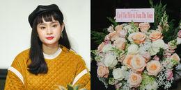 """Tóc Tiên gửi hoa chúc mừng Hiền Hồ, dập nghi án """"cạch mặt"""""""