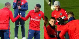 Neymar dẫn đầu 'băng nhóm Brazil' quậy 'tung' sân tập của PSG