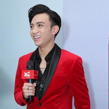 Soobin Hoàng Sơn diện vest đỏ đẹp