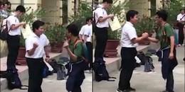 """Cười ngất với màn giao lưu """"văn hóa quẩy"""" ngay tại sân trường của cặp nam sinh Việt – Nhật"""