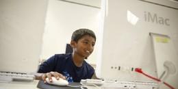 Cậu bé 9 tuổi trở thành chuyên gia công nghệ của Microsoft và sắp vào đại học