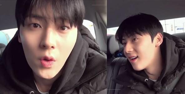 Siêu cấp đẹp trai: Hwang Minhyun 'thả thính' đáng yêu trên xe hơi khiến các fan nữ 'rụng tim'