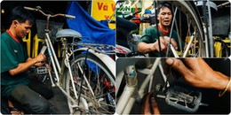 Chuyện về người đàn ông chuyên 'hồi sinh' những chiếc xe đạp cũ, nâng bước học trò nghèo đến trường