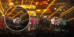Fan Kpop thích thú trước biểu cảm bất ngờ của INFINITE khi đàn em Red Velvet nhận cúp